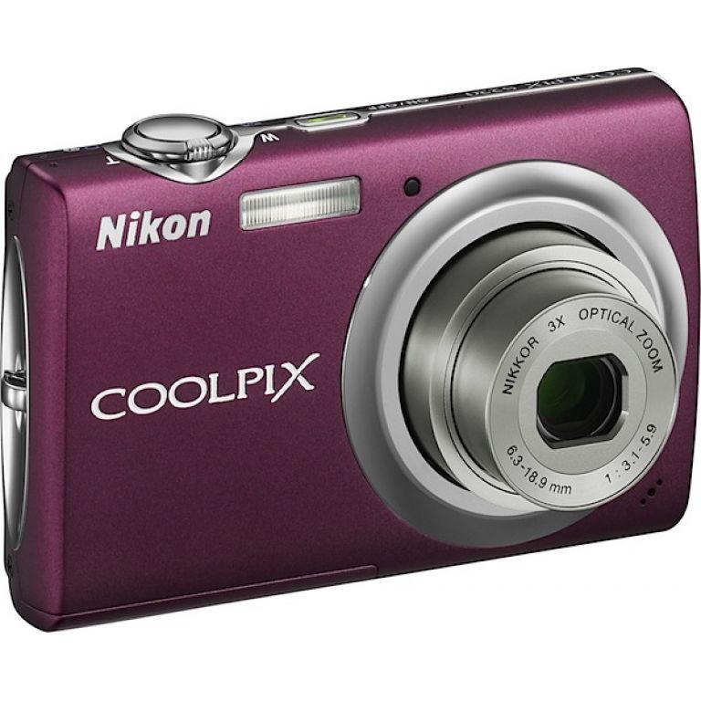 Digital Nikon Coolpix Camera S220